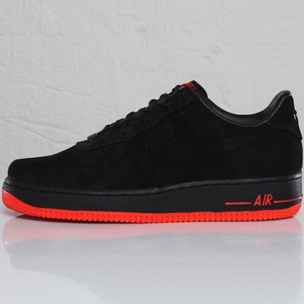 La Nike Air Force 1 VT Low Black / Max Orange | Chaussures de ...