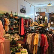 Crossroads Trading Co 1519 N Milwaukee Ave (at Honore St