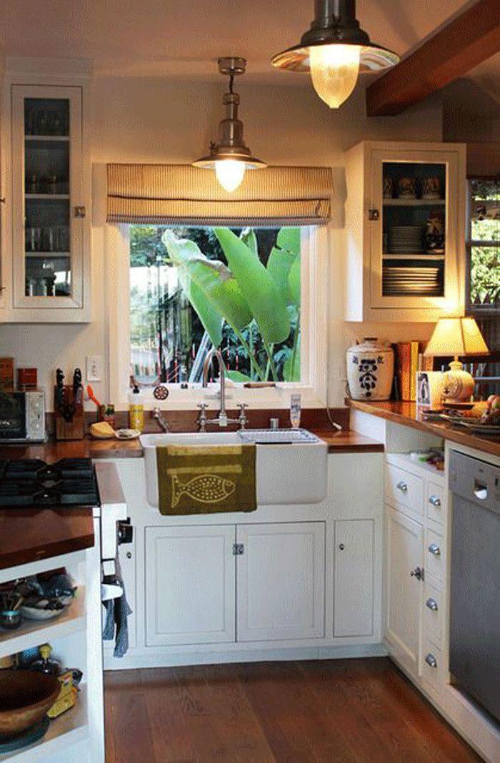 Small L-shaped kitchen design