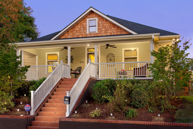 200 Estoria St Exterior Twilight Front Jpg 2880 1920 Atlanta Real Estate Real Estate Zillow Homes