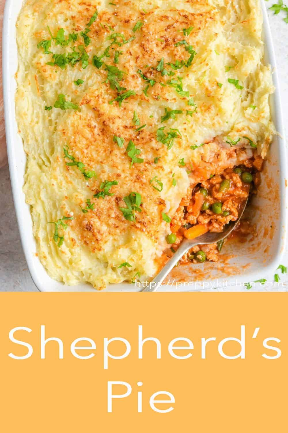 Wholesome Hearty And Comforting Shepherd S Pie Made With Ground Chicken A Saucy And Delicious Gravy And Topped With Bu In 2020 Shepherds Pie Meat Dinners Cottage Pie