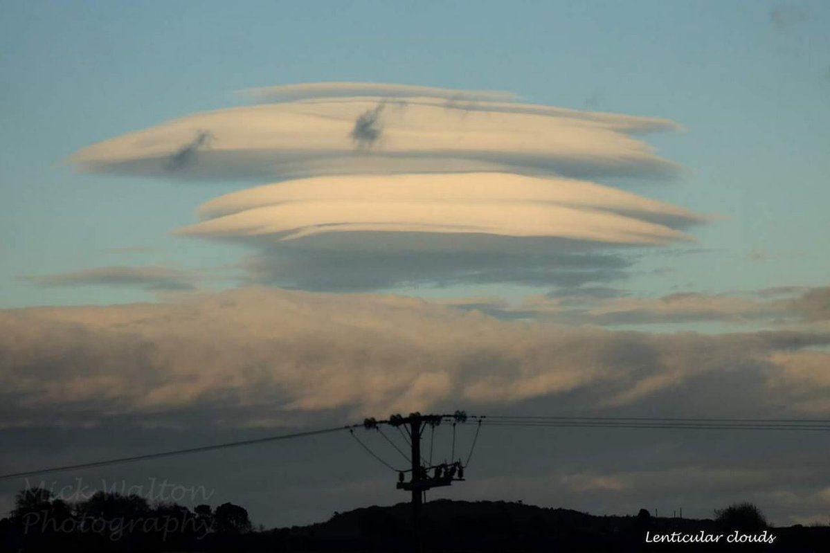 Altocumulus Lenticularis (lenticular) clouds