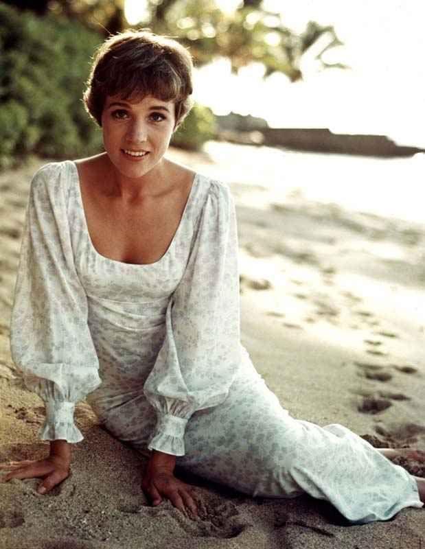 1965 Julie Andrews Hawaii promo pics