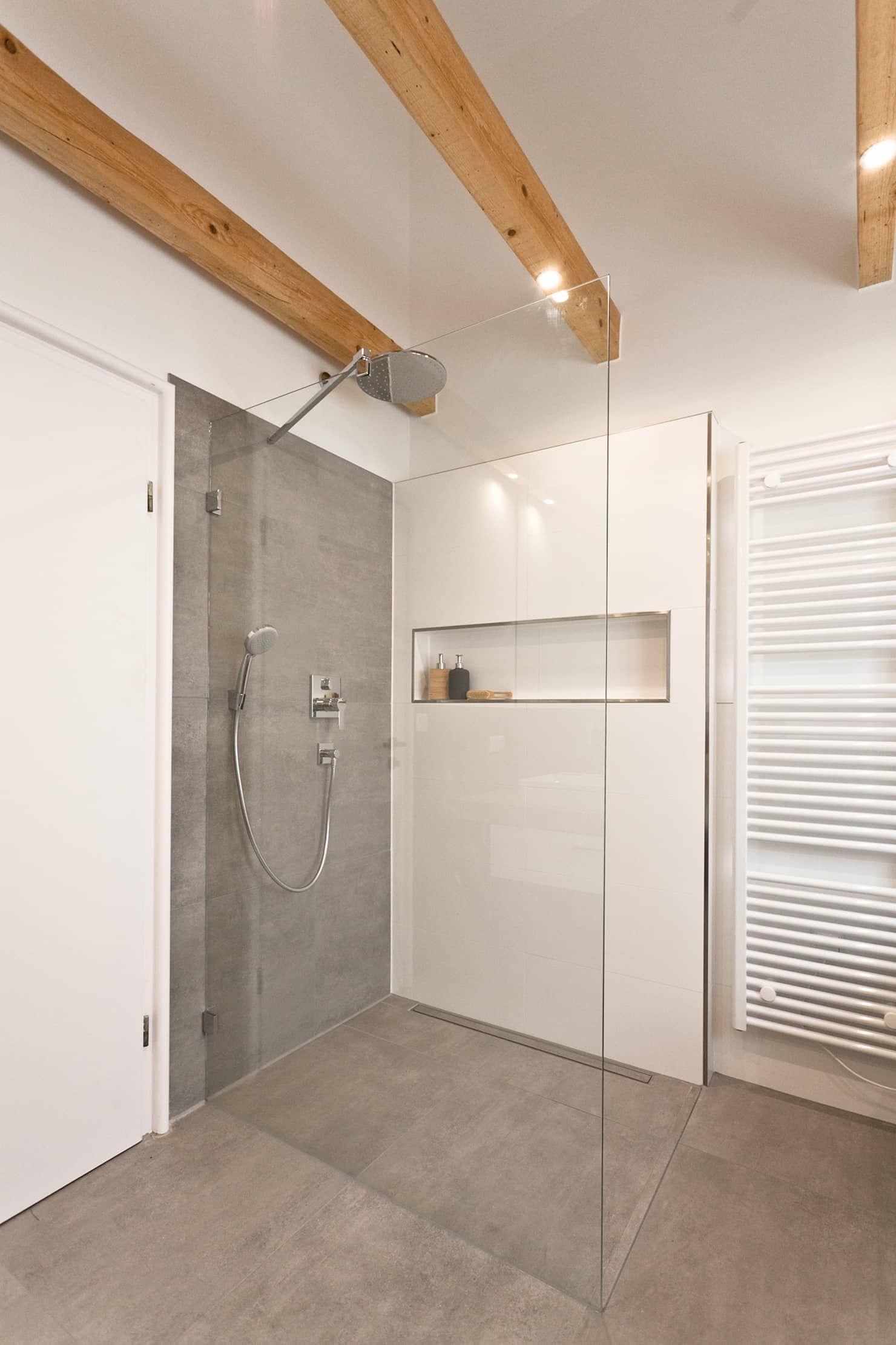 bodengleiche dusche in betonoptik rustikale badezimmer von