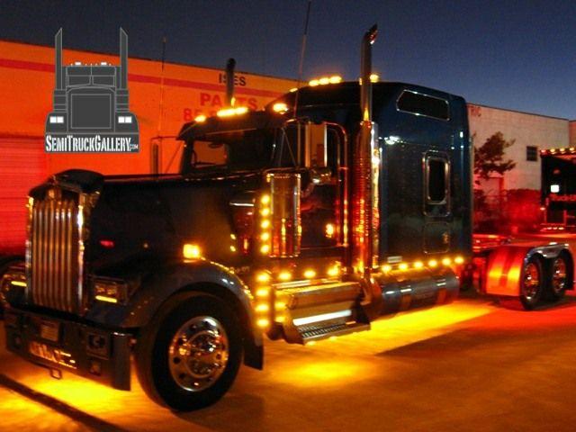 Custom semi trucks large cars for Motores y vehiculos phoenix