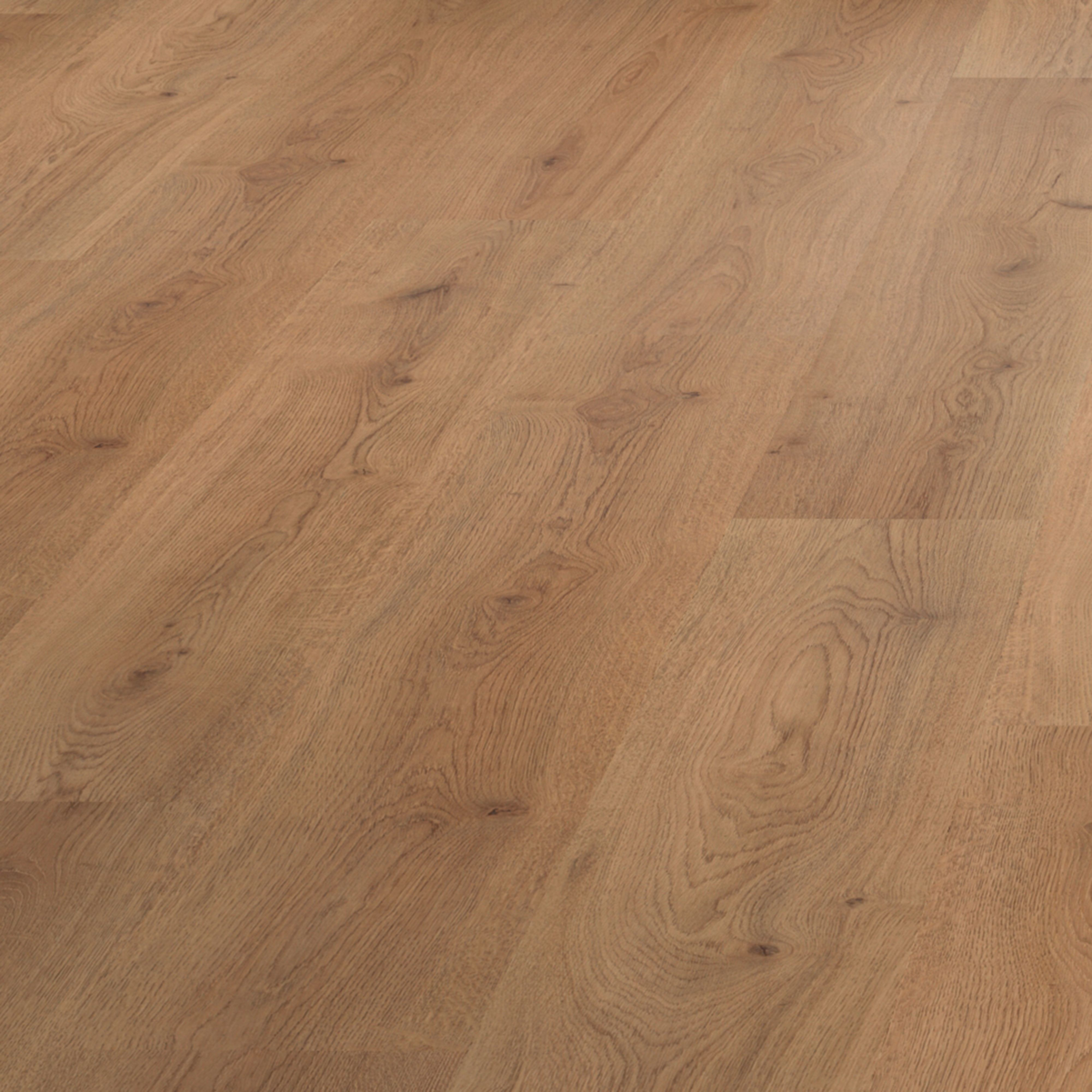 b q value oak effect laminate flooring pack. Black Bedroom Furniture Sets. Home Design Ideas