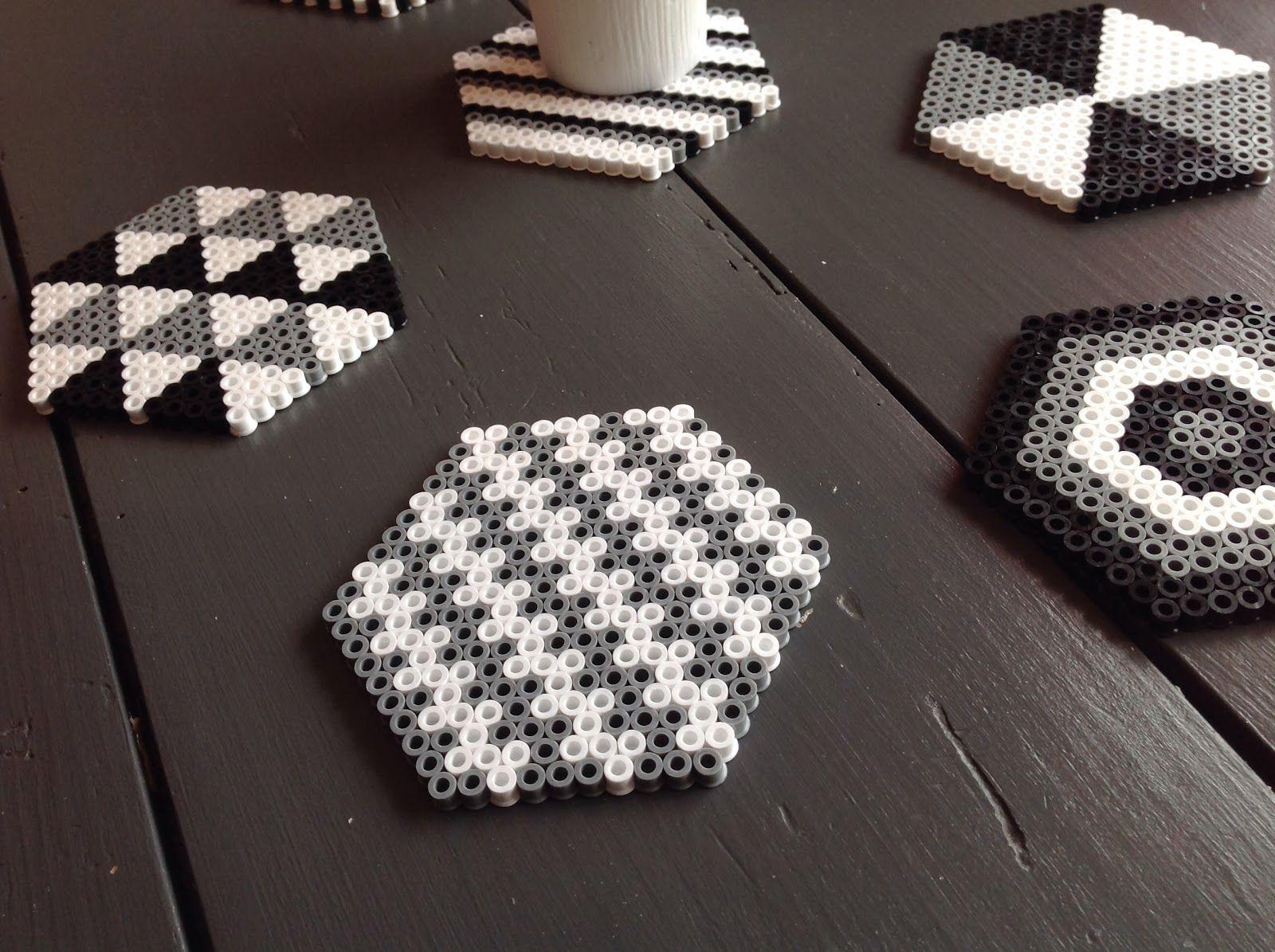 blog parenthese creative ln diy dessous de verre perles hama d co pinterest perles hama. Black Bedroom Furniture Sets. Home Design Ideas