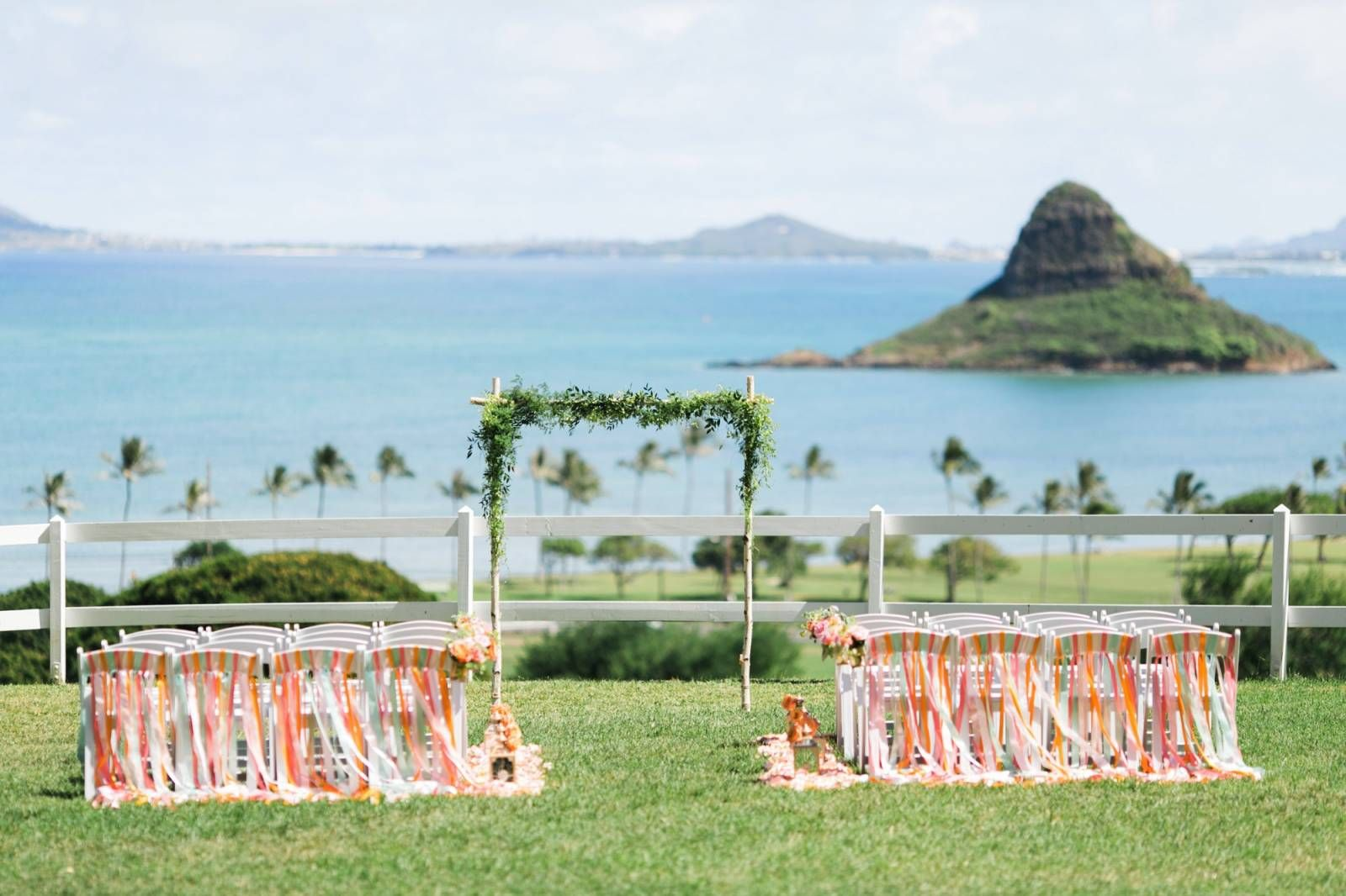 Brit And Tim Kualoa Ranch Wedding On Oahu Photo By The Goodness Dupree Cottage Molii Gardens Weddings Pinterest