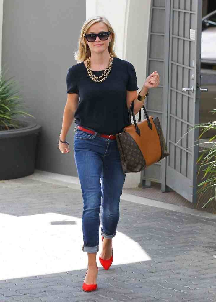 Reese Witherspoon wearing Frame Denim Le Garcon Mid Rise Skinny ...
