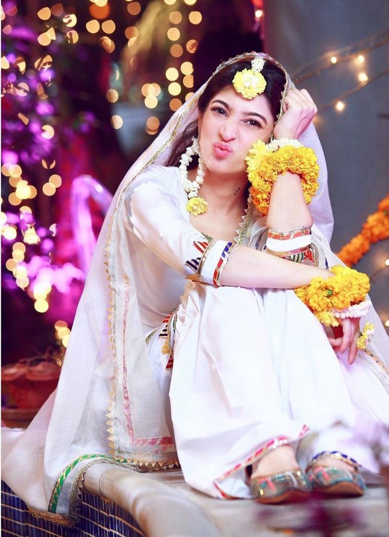 Pin By Mar U J On My Favorite S Pakistani Bride Muslim Brides Bride