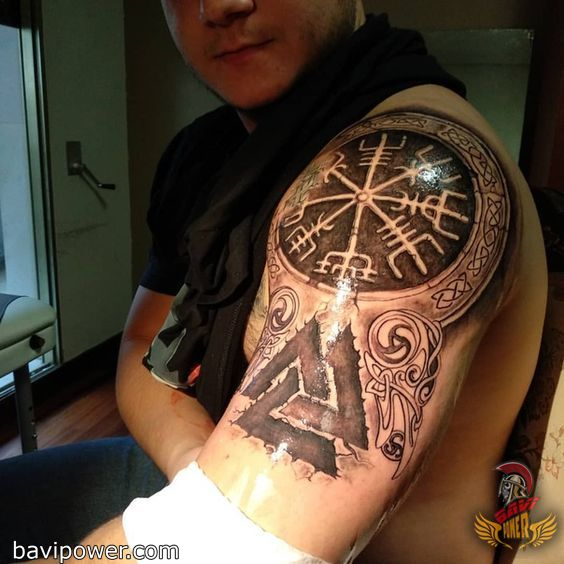 285b0486cde47 5 Ideas of Odin's Tattoos for Odin Worshippers Odin was among the most  powerful and influential