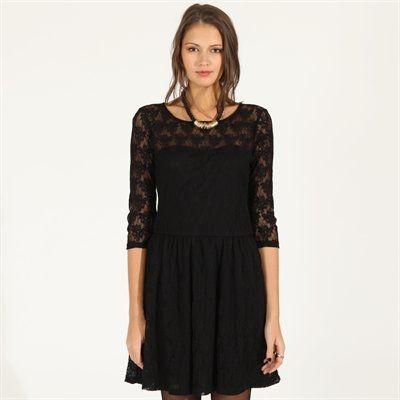 Pimkie.fr : La robe dentelle allie chic et glamour. On la twiste avec des boots rock.
