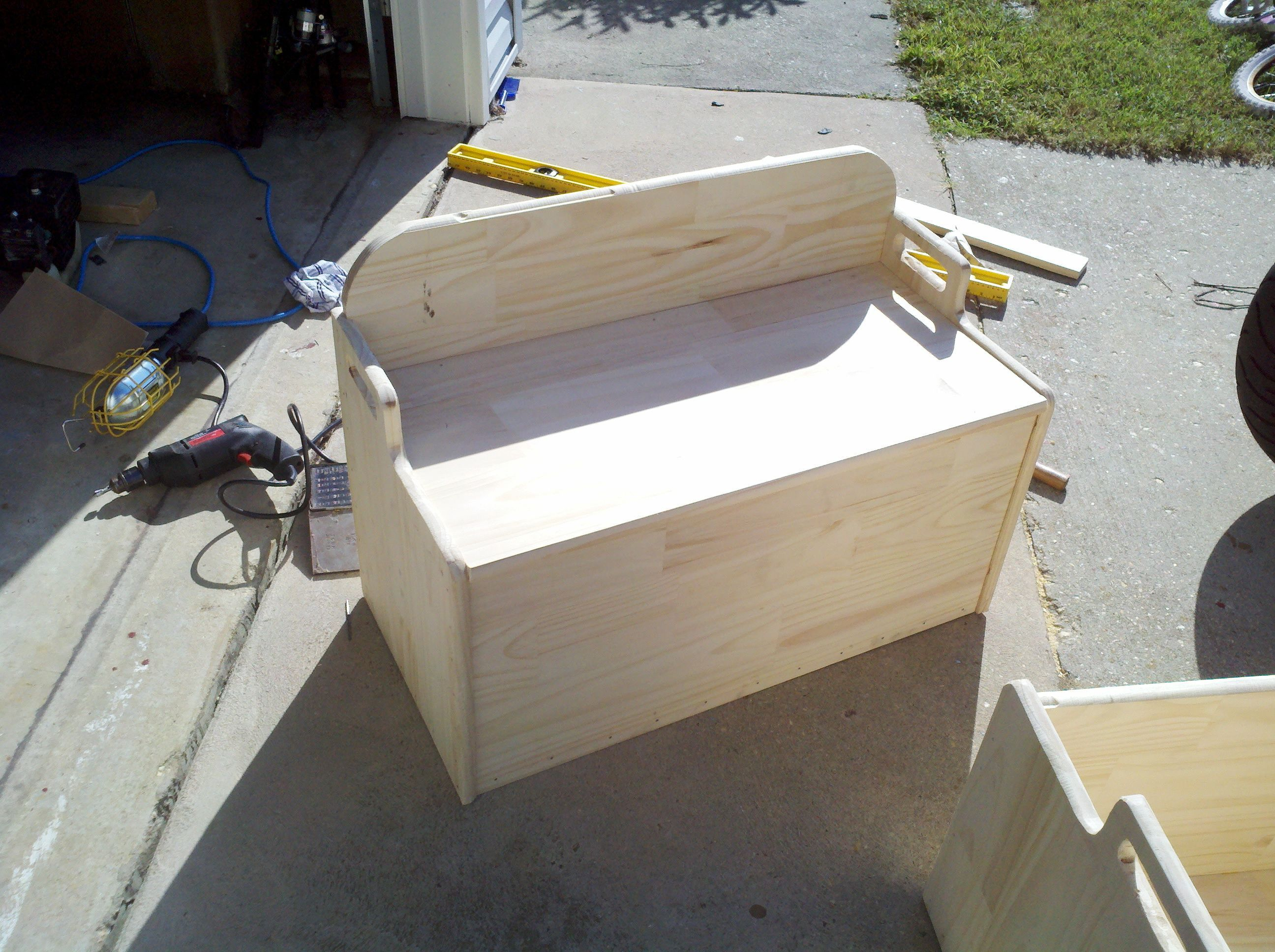 woodworking plans plans to build a toy box free download