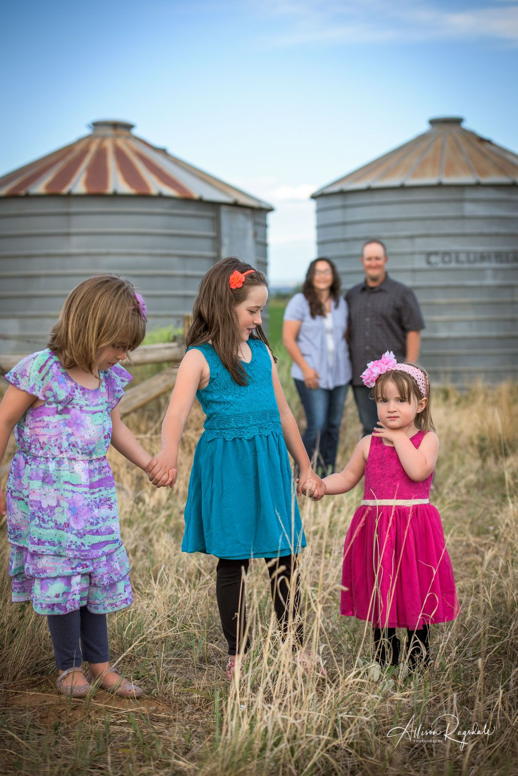Outdoor rustic family pictures allison ragsdale photography