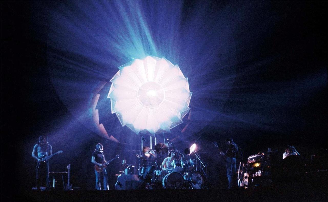 Pink Floyd, Animals, London, 1977 © Guido Harari.