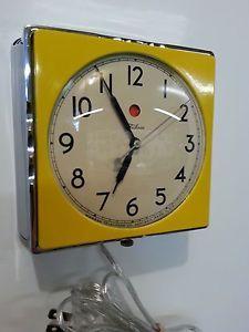 Vintage Art Deco Ge Telechron Chrome Yellow Kitchen Wall Clock