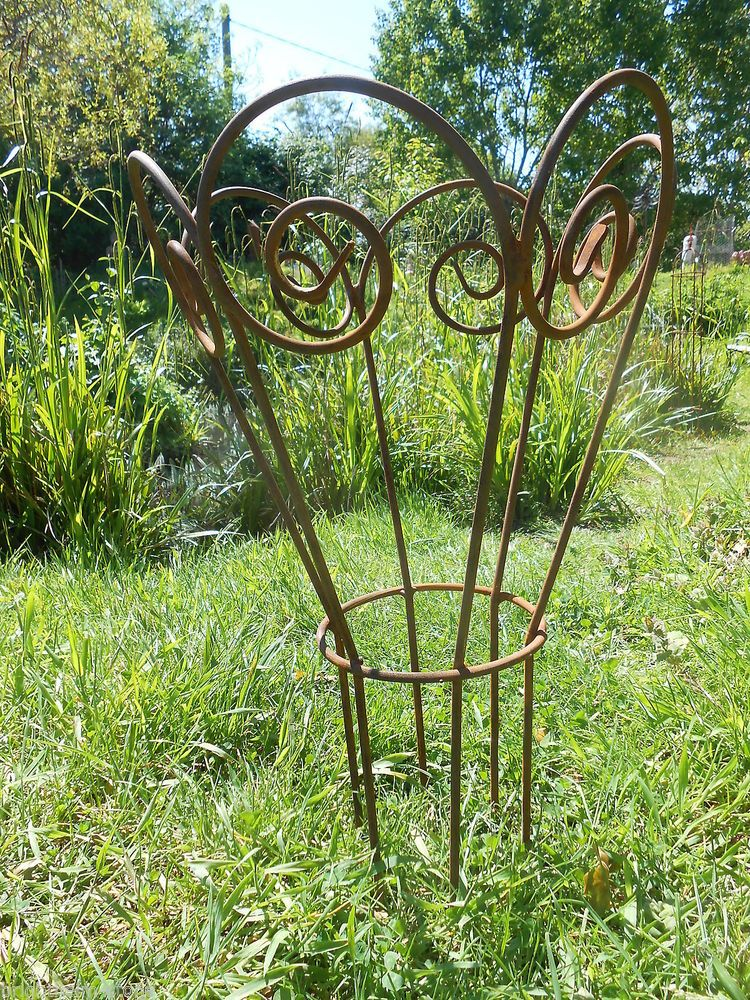 Garden Plant Support Handmade Antique Style Rusty Metal Decorative