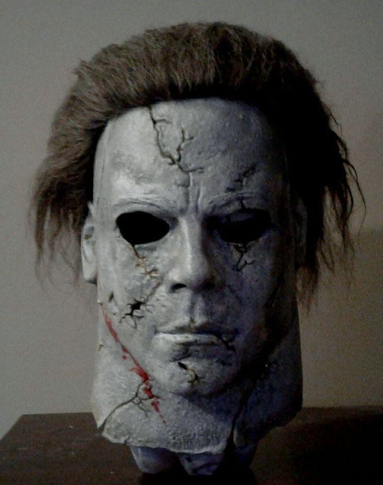 Halloween Rob Zombie Michael Myers Mask Vs Halloween 2020 Michael Myers Mask Pin on Horror stuff
