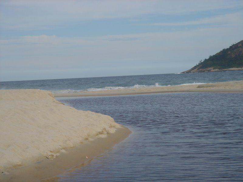 Rio correndo pro mar...