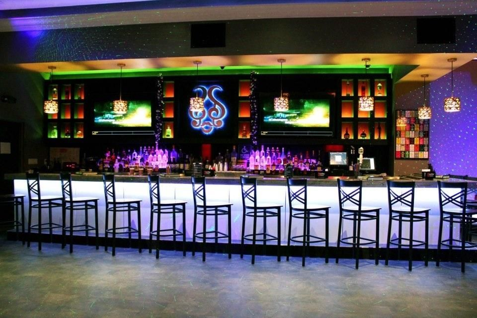 Sing Karaoke Miami Beach Fl Sleek Spot With A Huge Song List Offering 17 High Tech Private Rooms Plus Singing At The Bar 717 Washington