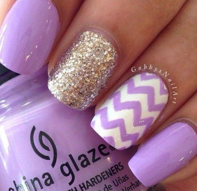 Light purple with white chevron \u0026 gold nails.