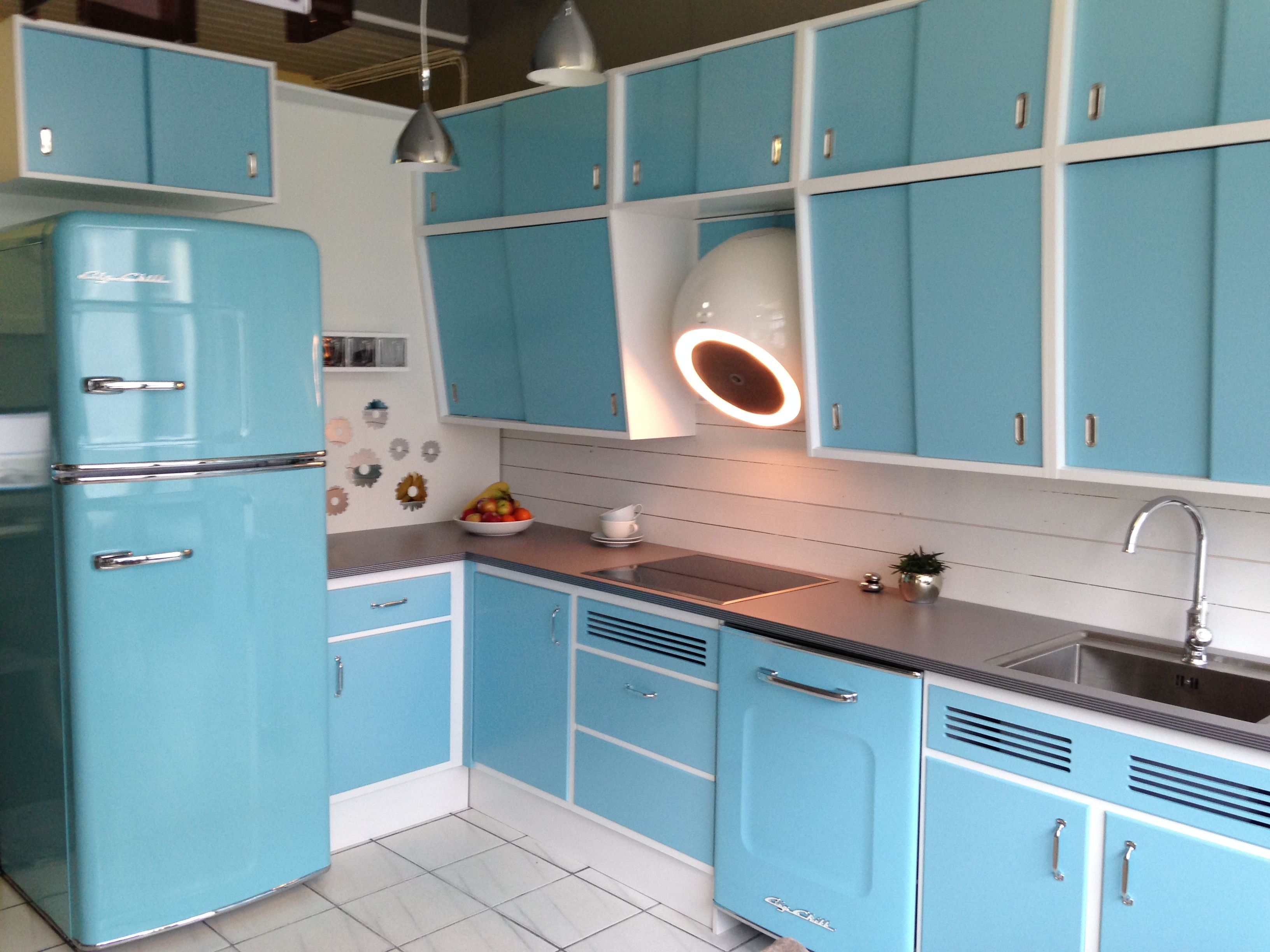 big chill appliances in perfect harmony with retro kitchen big chill appliances retro kitchen on kitchen appliances id=14522