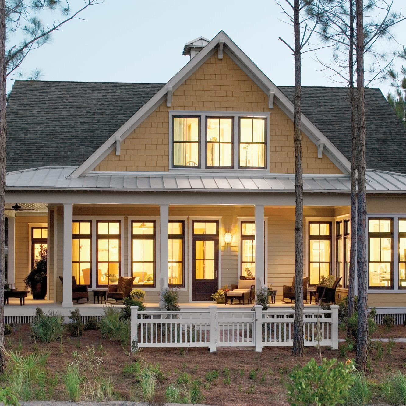 Timeless Southern House Plans That Will Be Love At First Sight Porch House Plans Southern Living House Plans Southern House Plans