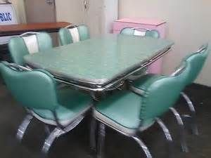 1950 u0027s kitchen tables   flashes from the past     1940   pinterest   kitchens formica table and vintage kitchen 1950 u0027s kitchen tables   flashes from the past     1940   pinterest      rh   pinterest com