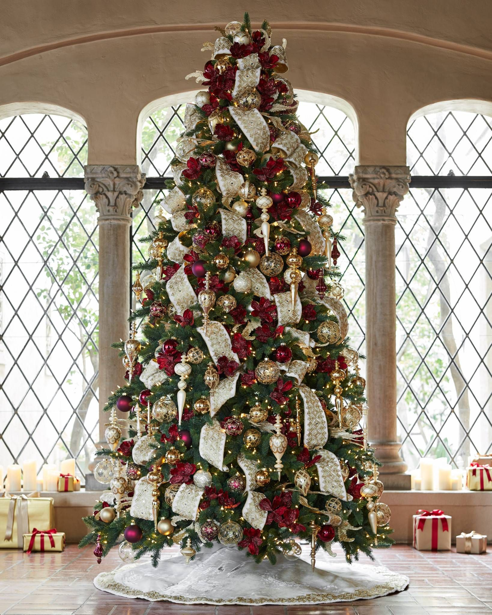 Biltmore Gilded Christmas Tree Skirt Balsam Hill Elegant Christmas Trees Christmas Tree Themes Red Christmas Tree