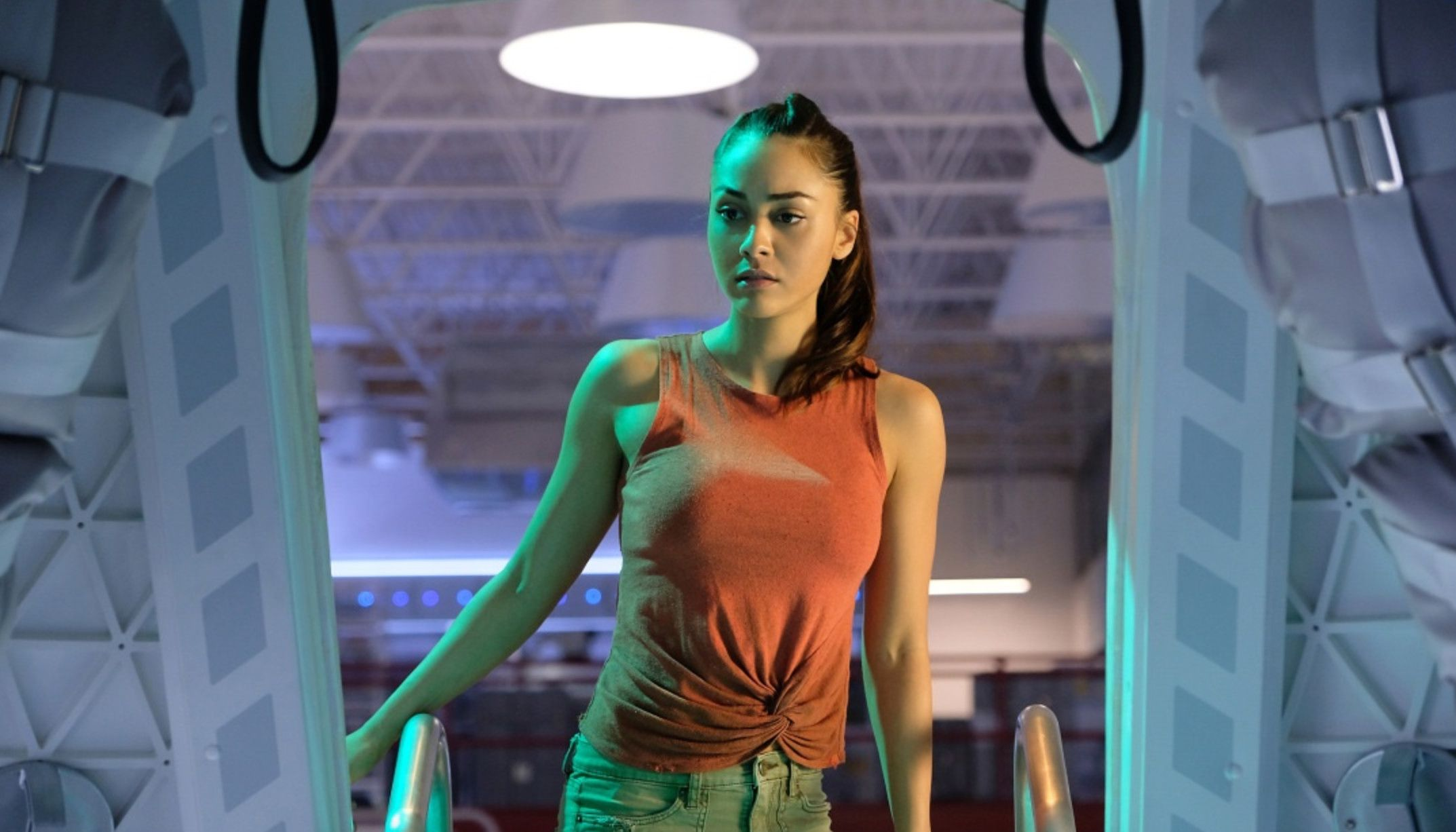 Rae Dawn Chong Lesbian Ele the 100's lindsey morgan opens up about raven's terrifyingly