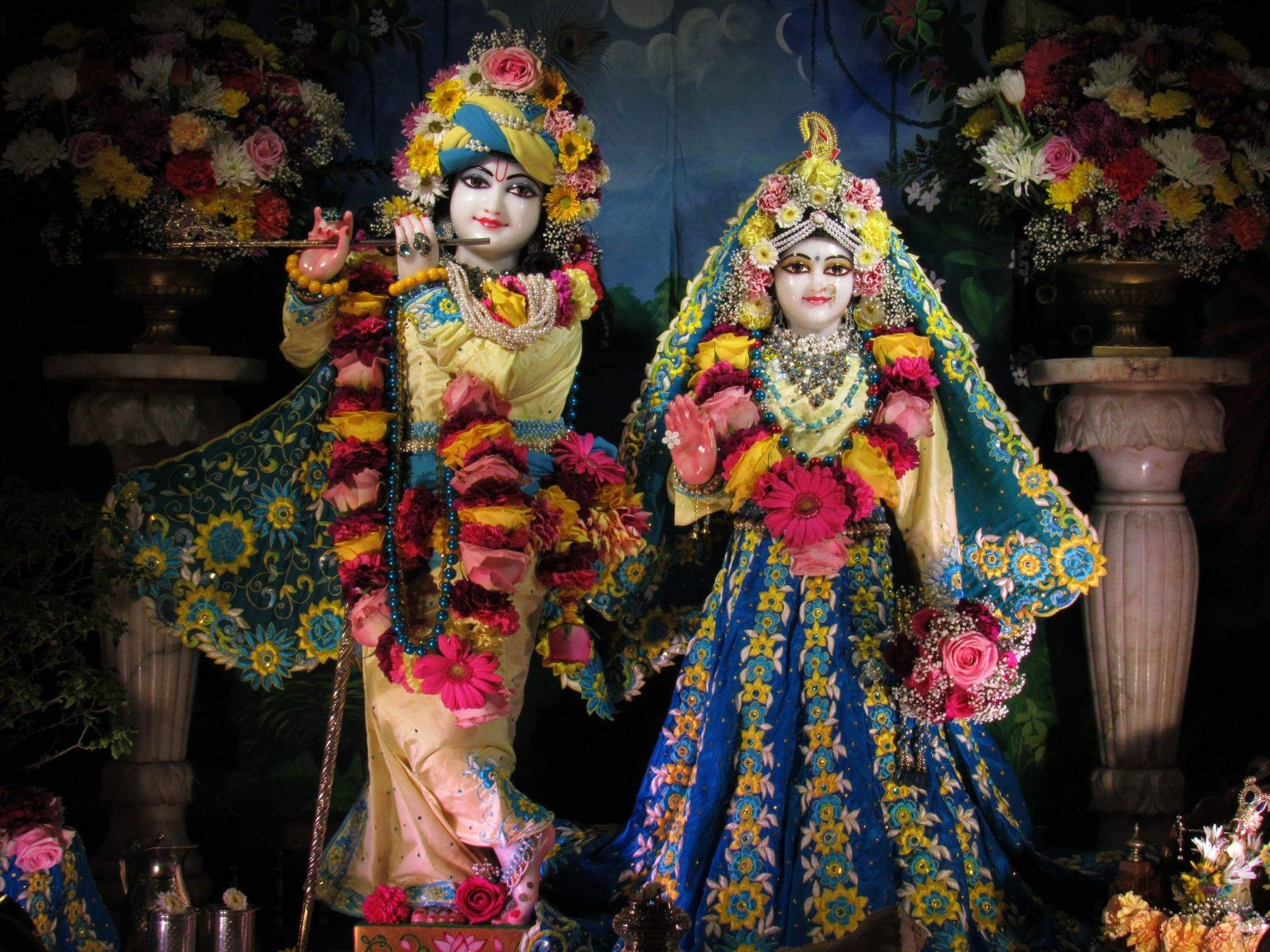जय श्री राधे कृष्णा  #श्रीकृष्ण #श्रीकृष्णा #Temple #HareKrishna #ISKCON #LordKrishna #Makeuplover #MakeupArtist #India #Beautiful #Beauty #Art #Pics #Diamond #Jewellery #Love #Hindu #Decoration  #Costume #flowers #Artist #Flute #RadheKrishna #incredible #Picture #Picoftheday #Pic #Lovers #Artwork #Indiapictures #Lovely #Colour