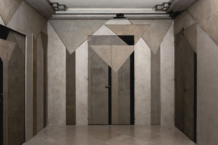 Jean Dunand The Palmiers paneling for the smoking room of Colette Aboucaya´s rue Monceau apartment. The paneling presents an angular, Cubist...