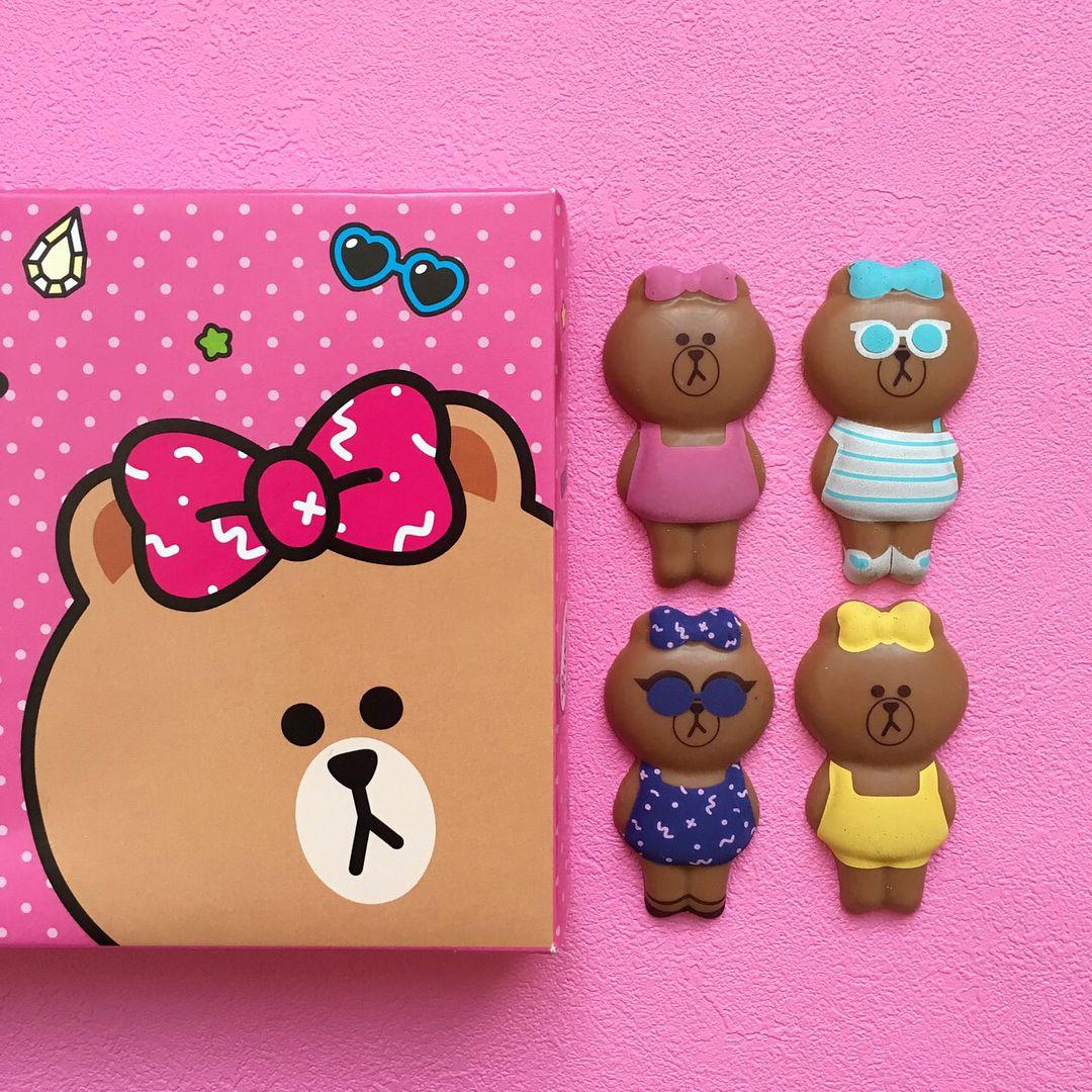 Lineフレンズのキャラクターchocoちゃんがチョコレートに 食べちゃうのがもったいない可愛らしさです 各アイテムの価格など詳しい情報は Plaza Online Storeをチェックしてね チョコジェニック バレンタイン チョ Line Friends Enamel Pins Packaging