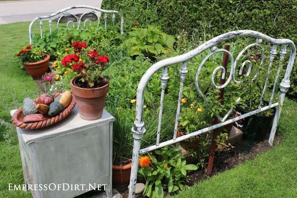 Make Your Garden Magnificent With A Real Life Flower Bed With