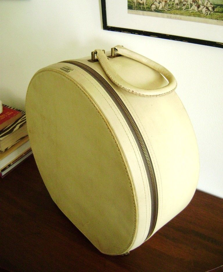 Large Round Trunk Hat Box Vintage Luggage Vintage Hat Boxes Hat Box Vintage Luggage