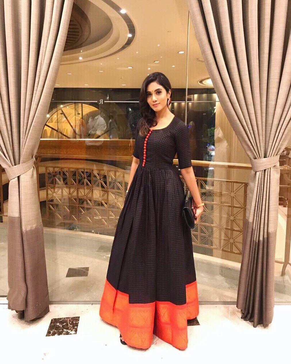 """87fa478322 JaSmin MicHaeL (JM) on Instagram: """"At RAAJA THE ONEMAN SHOW , press meet &  gala dinner ... wearing a beautiful MADURAI KATTAM saree indowestern dress  design ..."""