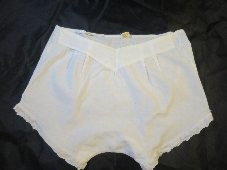 Lynne teen hand panties creampie from