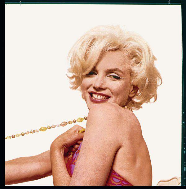 A suite 261 do Hotel Bel-Air, em Los Angeles, e três garrafas de champanhe Dom Pérignon de 1953 foram as duas exigências que a estrela de cinema Marylin Monroe impôs a Bert Stern para se deixar fotografar.