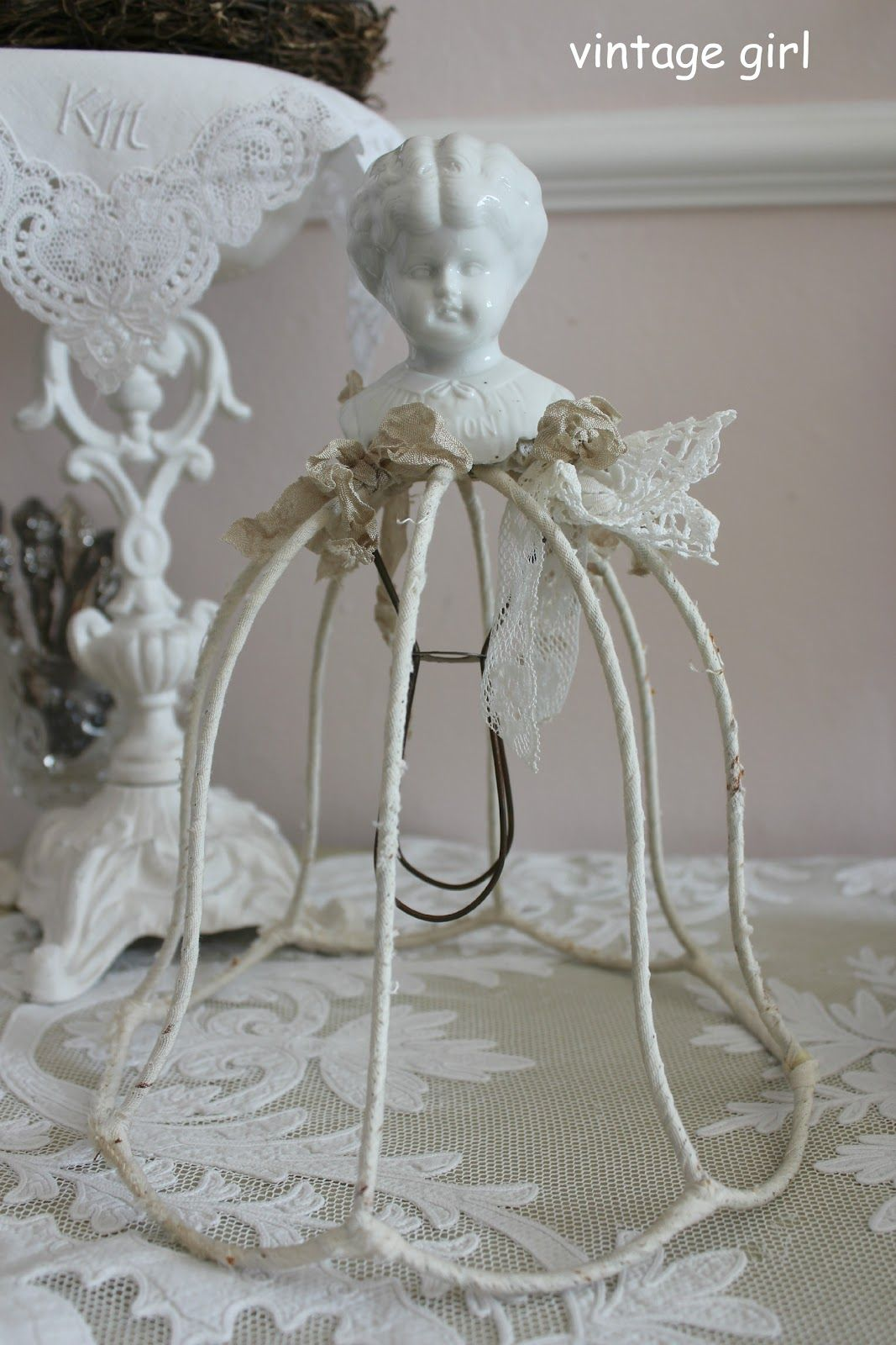 look for a wire lamp shade crafting pinterest deko lampen und puppen. Black Bedroom Furniture Sets. Home Design Ideas