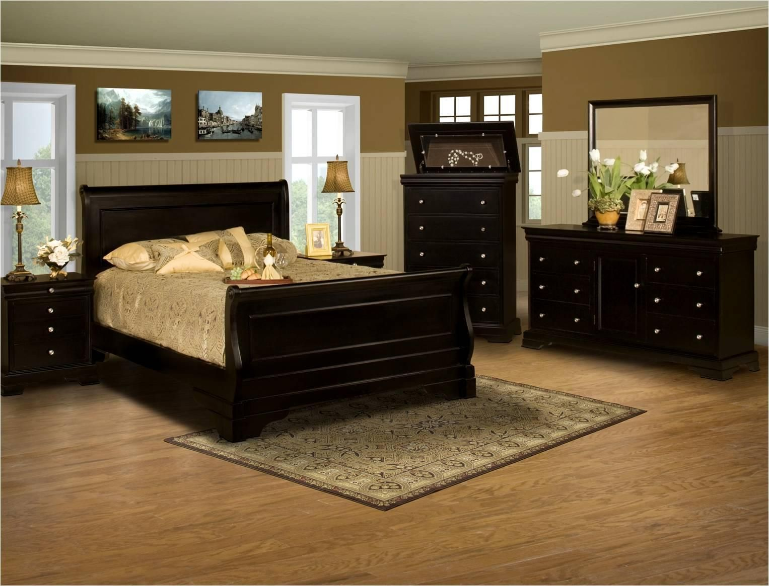 Belle Rose 4 Piece California King Bedroom Group by New