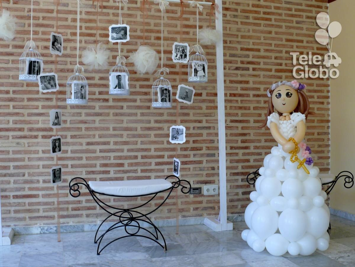 Mu eca de primera comuni n de globos personalizada - Decoracion primera comunion ...