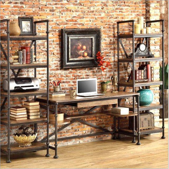 Risultati immagini per scaffali ferro e legno soggiorno for Scrivania soggiorno