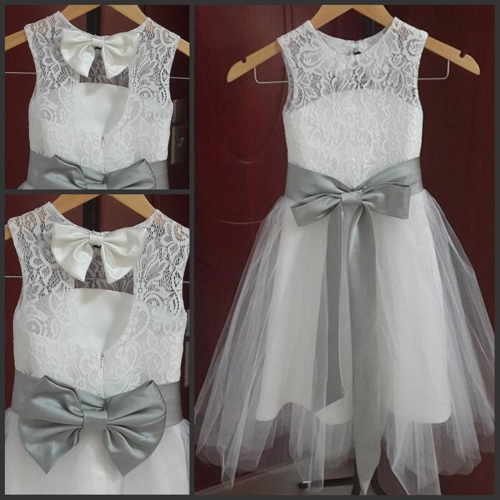 A Line Jewel Neckline Vintage Lace Flower Girl Dresses
