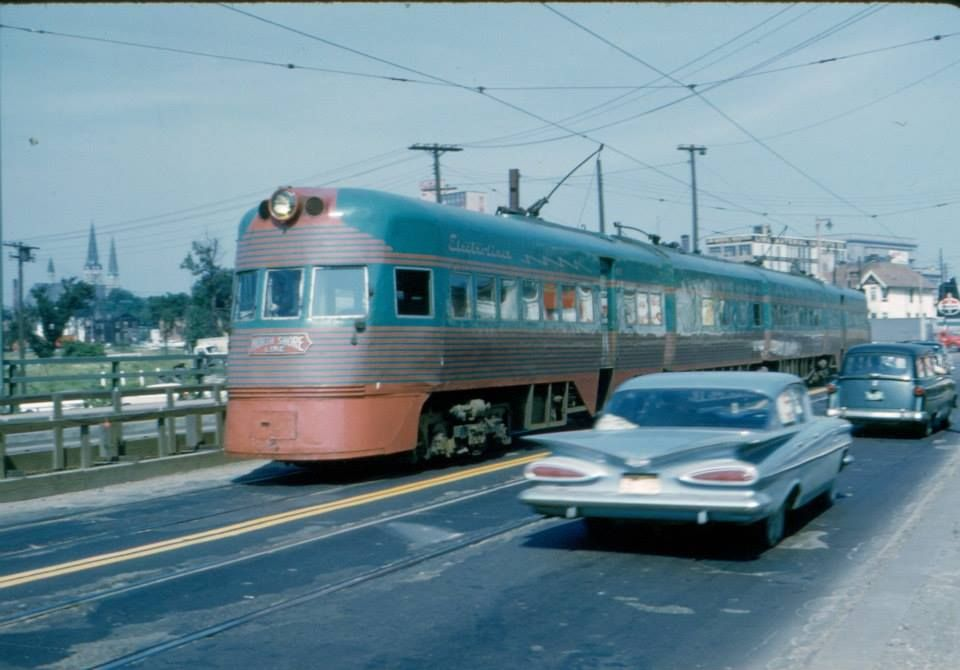 Cns M North Shore Line Electroliner Southbound On The 6th Street Viaduct Light Rail Rail Car Railroad History