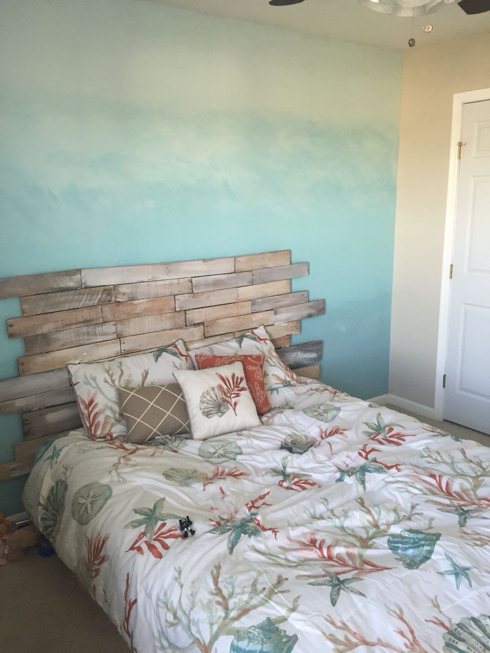 Ombre Ocean Wall Pallet Headboard For A Beach Themed Room Ocean Themed Bedroom Beach Themed Room Beach Themed Bedroom