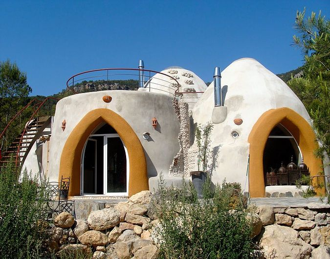 Kerterre maison en terre cob dome house house et earth bag homes - Autrement maison ...