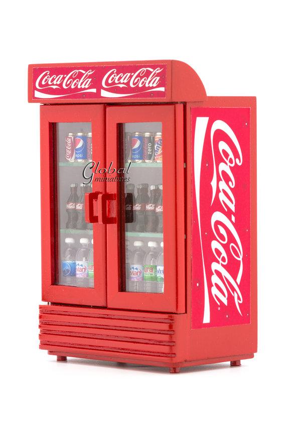 Miniature Dollhouse Accessories Coke freezer filled with Ice /& Coke Bottles 1//12