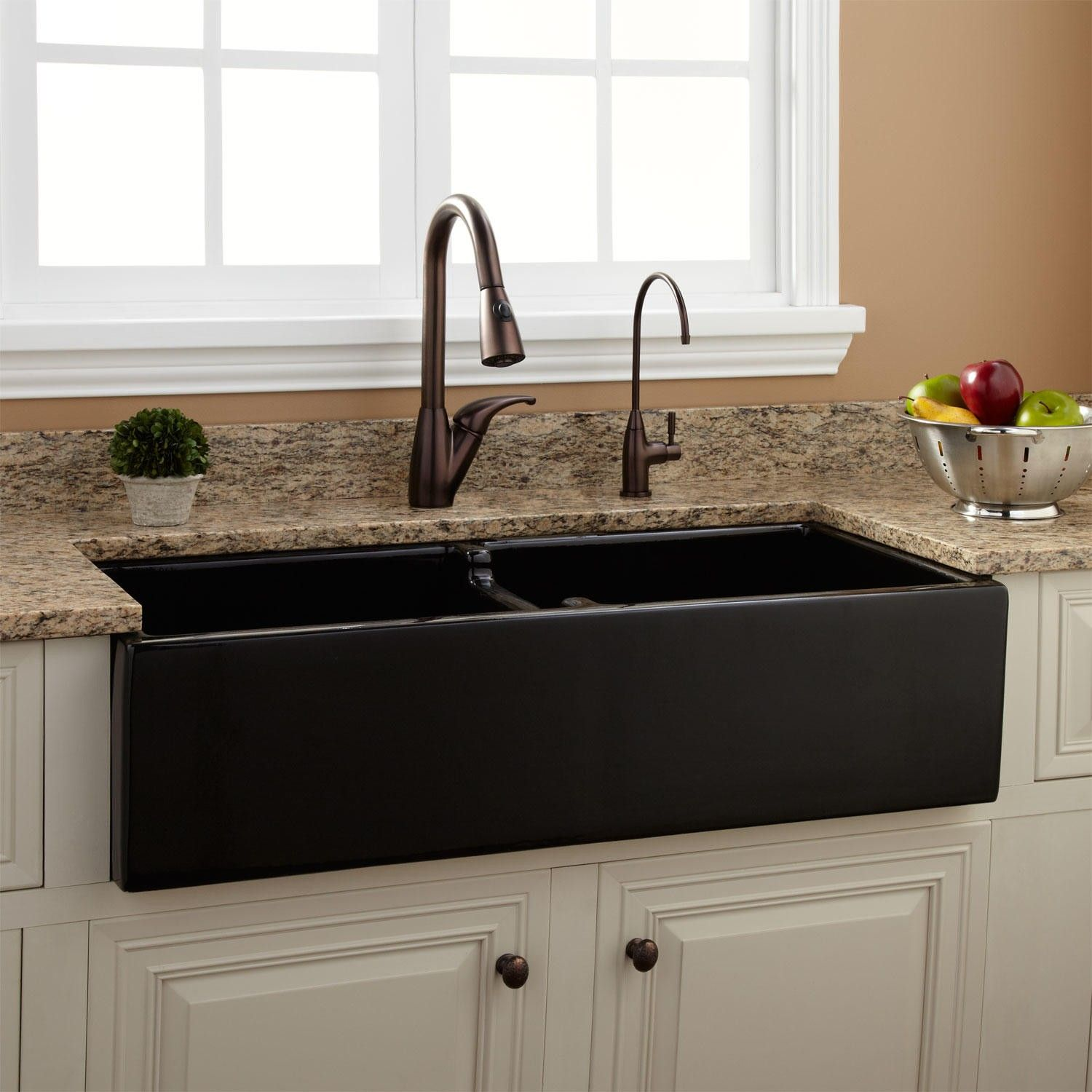 Pin By Kerrie Johnson Roetcisoender On Kitchen Kitchen Sink Remodel Fireclay Farmhouse Sink Farmhouse Sink Kitchen
