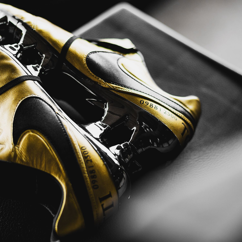 best website 1a079 c9275 Nike Tiempo Legend 6 'Totti X Roma' | theBoots | Nike cleats ...