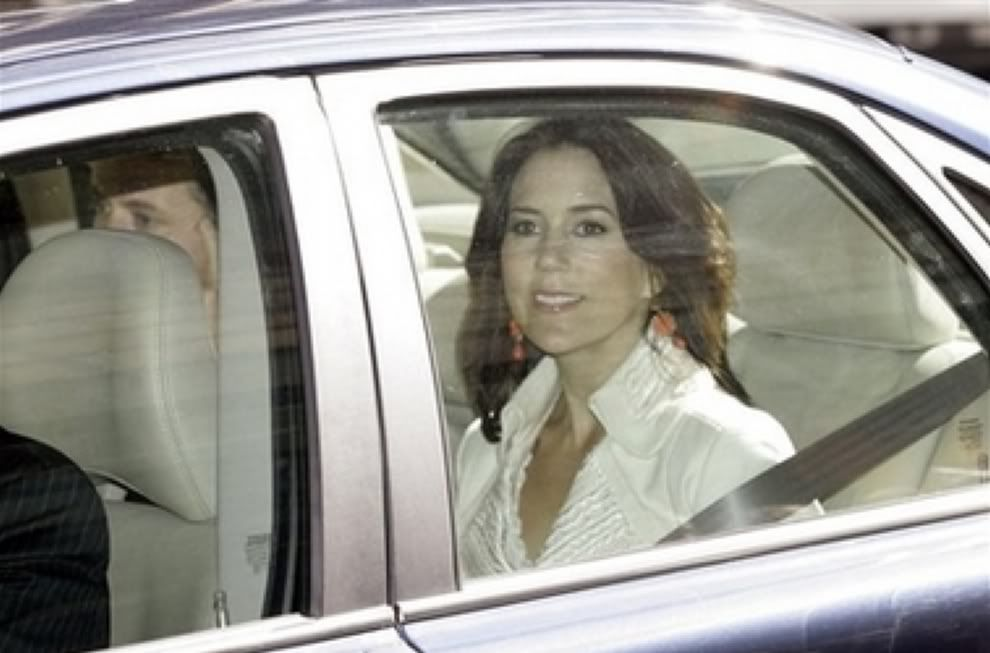 Princess Mary of Denmark (January 2005 - February 2010) - Page 24 - the Fashion Spot